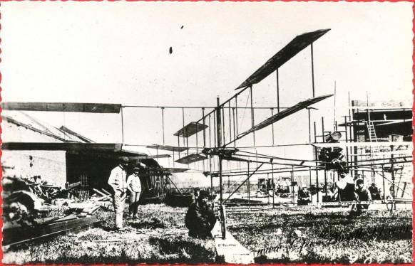 histoire-de-laviation-Le-20-septembre-1907-le-Gyroplane-Bréguet-Richet-premier-apparaeil-hélicoptére-sétant-enlevé-avec-son-pilote-
