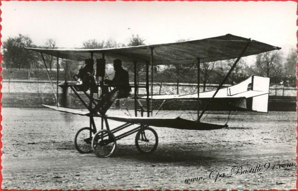 Histoire de l'aviation - En 1907 le De Pischoff N°1 vole à Issy