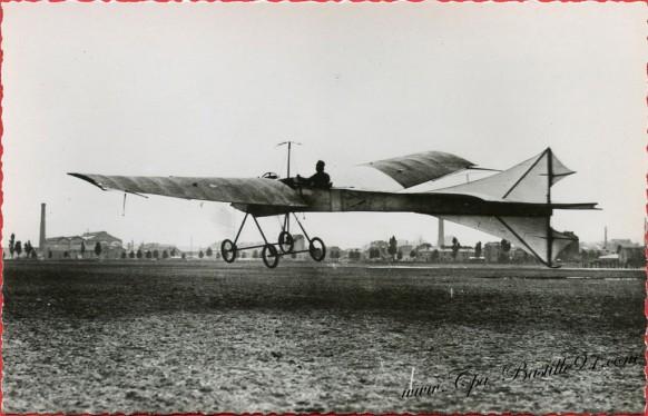 Histoire de l'aviation - En Aout 1908 Le Gastambide et Mengin II à Issy