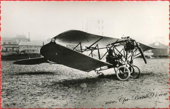 L'histoire de l'Aviation - En 1909 Le Chauvière