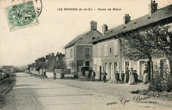 Carte Postale Ancienne - Les-Brosses - Route de Melun