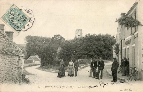 Carte postale de Moulineux - Le carrefour - Bouchon - Bousche