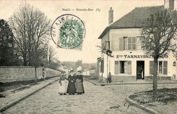 Saulx - Grande Rue - Café Tanneveau à la belle époque