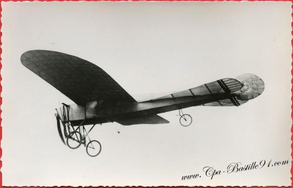 l'Histoire de l'aviation - En Janvier 1910 - l'Aéroplane Le Bleriot - Queue de Pigeon