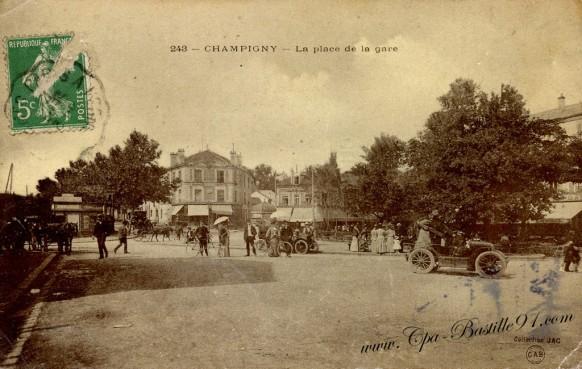 Carte Postale Ancienne - Champigny sur Marne - La place de la Gare