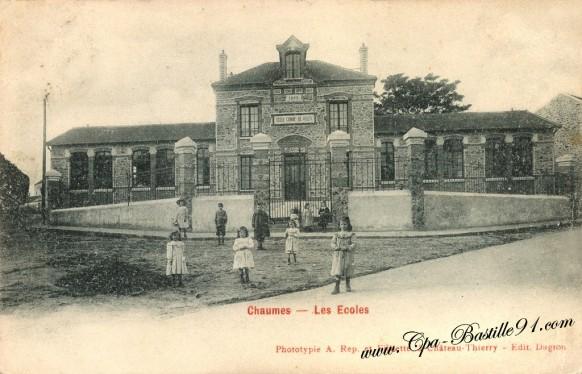 Carte Postale Ancienne - Chaumes - Les écoles