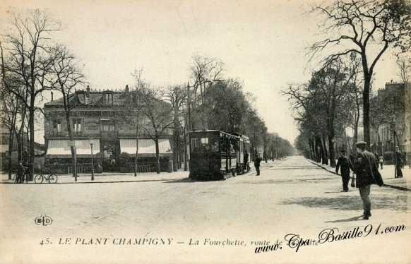 Carte Postale Ancienne - Le Plant Champigny - La Fourchette route de Joinville