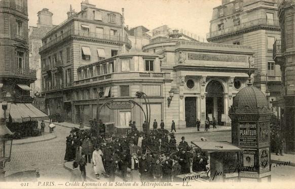 carte-postale-Ancienne-Paris-Credit-luonnais-et-la-station-Métropolitain