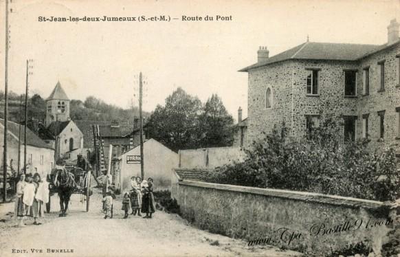Carte Postale Ancienne -St-Jean les deux Jumeaux - Route du Pont