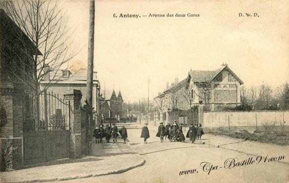 Carte Postale Ancienne - Antony - Avenue des deux Gares