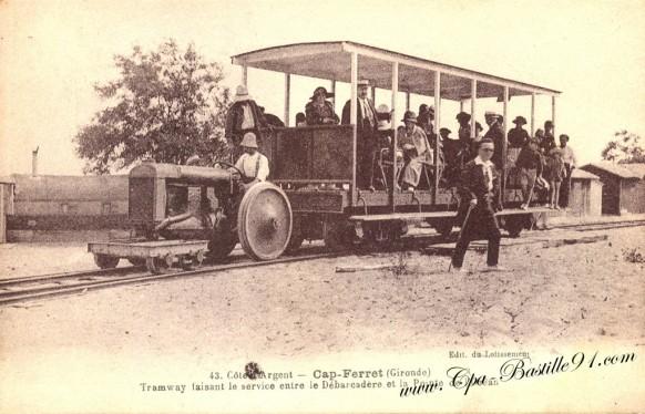 Cap-ferret - Le Tramway faisant le service entre le débarcadere et la pointe de l'océan