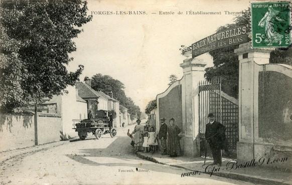 Cartes Postales Anciennes - Forges les Bains - Entrée de l'établissement Thermal
