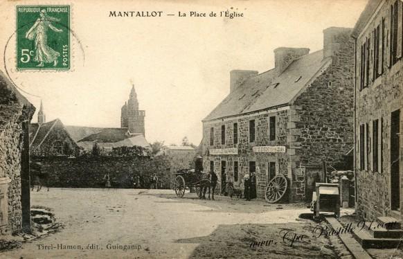 Carte Postale Ancienne - Mantallot La place de l'église