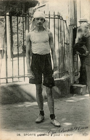 Carte postale Ancienne - les Sports en 1900 - course à pied - M. Cibot