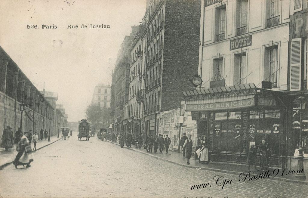 carte postale ancienne de paris la rue de jussieu cartes postales anciennes. Black Bedroom Furniture Sets. Home Design Ideas