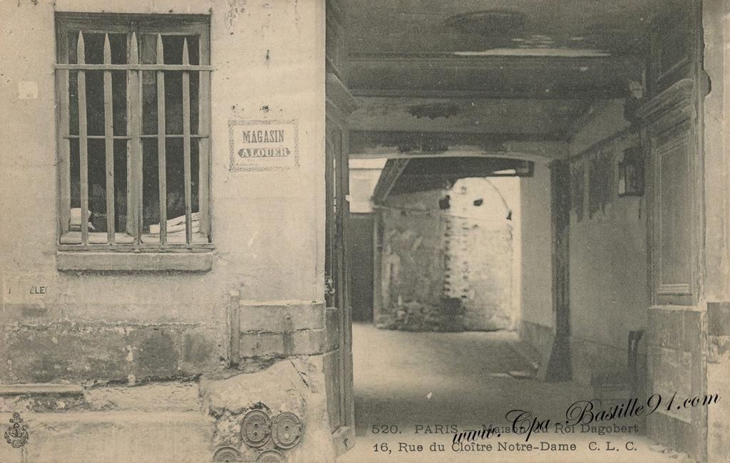 Carte postale ancienne paris rue du cloitre notre dame for Ancienne maison close paris