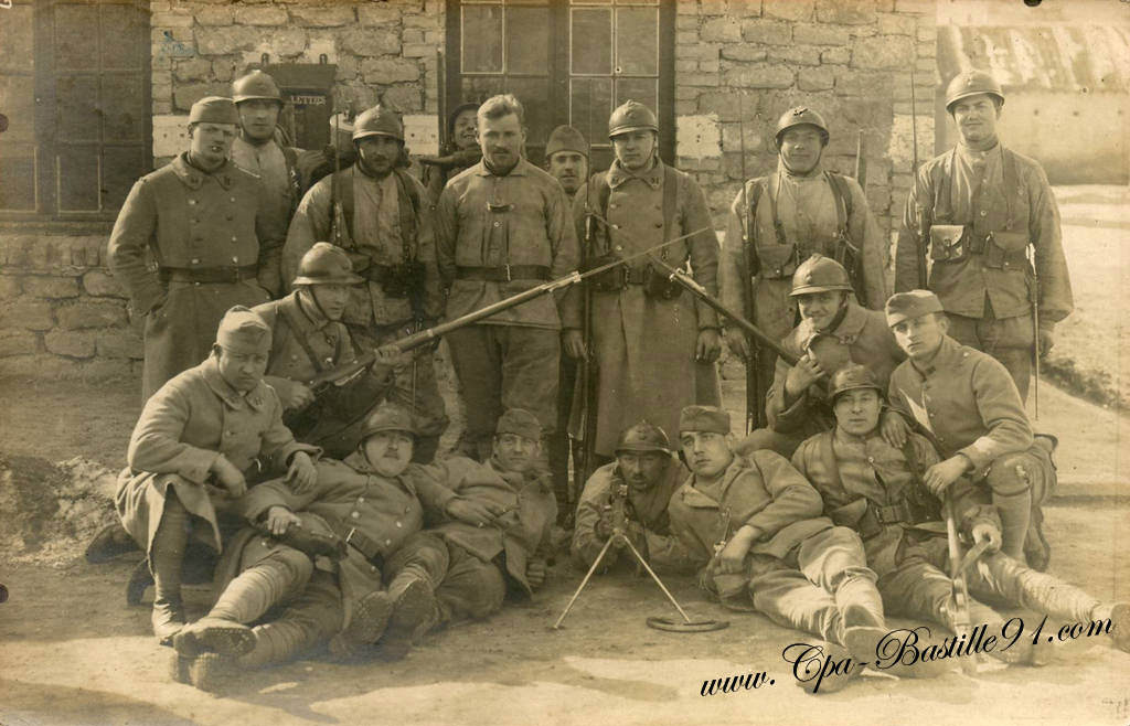 Carte Photo de 1924 -Groupe de Soldats à Stenay | Cartes Postales Anciennes