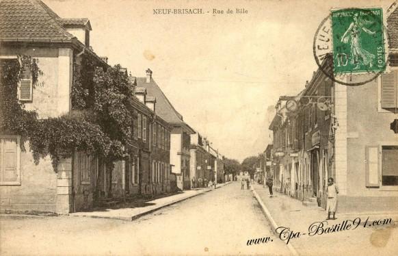 Carte Postale Ancienne - Neuf-Brisach - La rue de Bâle