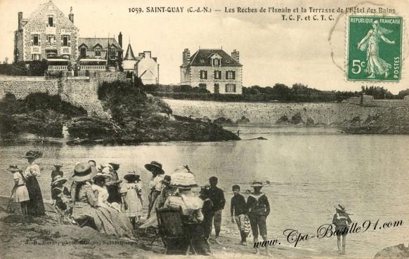 Carte Postale Ancienne - Saint Quay - Les Roches de l'Isnain et la terrasse de l'hôtel des Baies