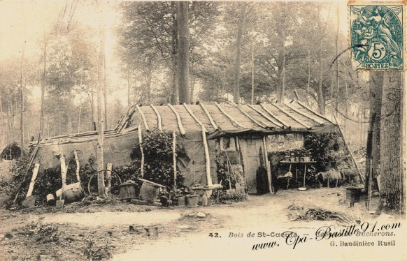 Carte Postale Ancienne - Cabane de bucherons dans le bois de Cucufa