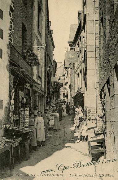 Carte Postale Ancienne - Le Mont Saint Michel - La grande Rue