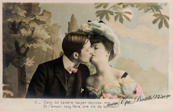 Carte-Postale-Ancienne-les-amoureux