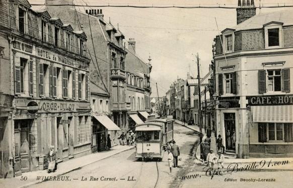Carte postale Ancienne de Wimereux - La Rue Carnot