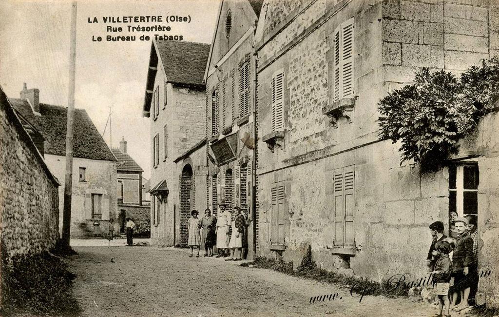 Cartes postales anciennes u lavilletertre u rue trésorière et le