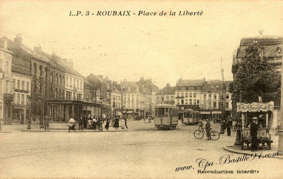 Carte Postale Ancienne de Roubaix - la place de la liberté