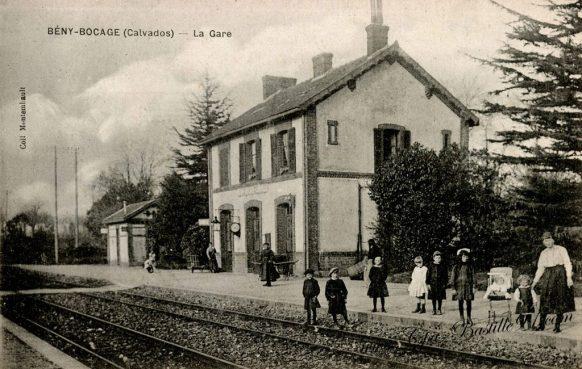 Carte Postale Ancienne de la Gare de Bény Bocage