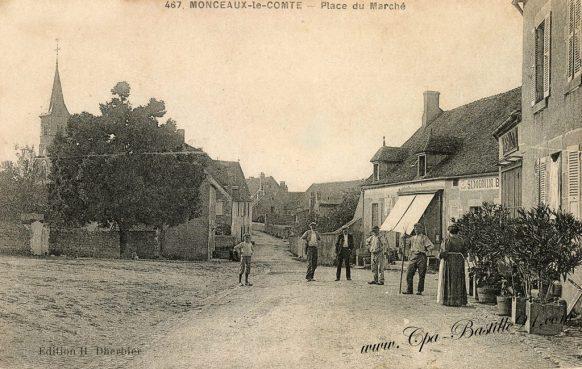 Cartes-postales-anciennes-Monceaux-le-comte-place-du-marché.