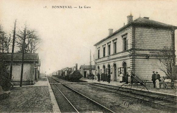 Cartes-postales-anciennes-la-gare-de-Bonneval