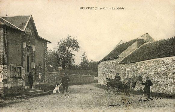 Cartes Postales Anciennes - Mulcent - La Mairie en 1900