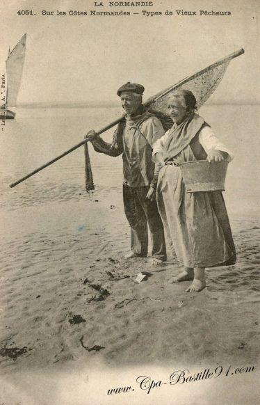 Carte Postale Ancienne - La Normandie - Type de vieux pecheurs