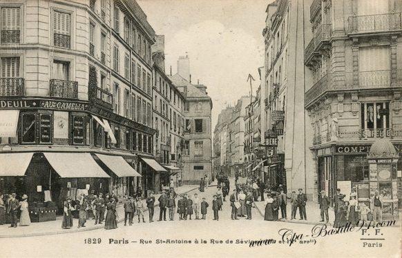 Carte Postale Ancienne de Paris - rue st Antoine à la rue de Sévigné