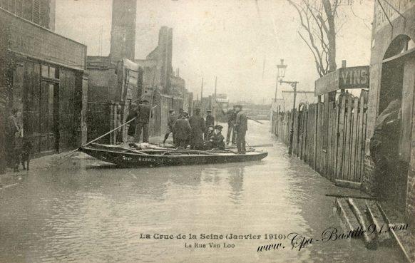 Carte Postale Ancienne - La crue de la Seine en Janvier 1910 – La rue Van-Loo