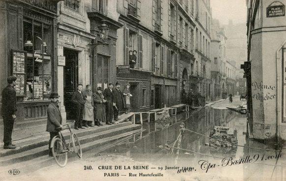 Carte postale - Crue de la Seine - Paris le 29 Janvier 1910 rue Hautefeuille