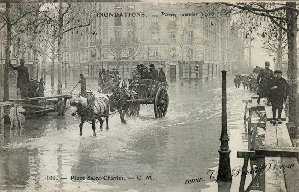 Inondations de Paris en Janvier 1910 - Place Saint-Charles