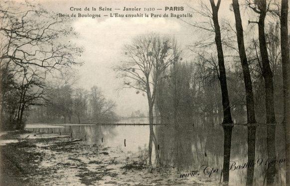 Crue de la Seine en janvier 1910 Paris le Bois de Boulogne et le parc de Bagatelle