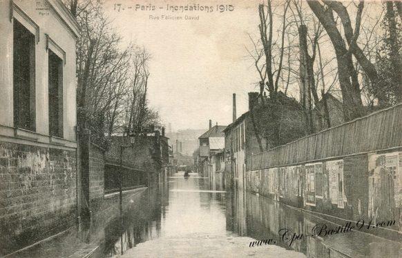Cartes Postales Anciennes de Paris - Inondations de 1910 - La Rue Félicien David