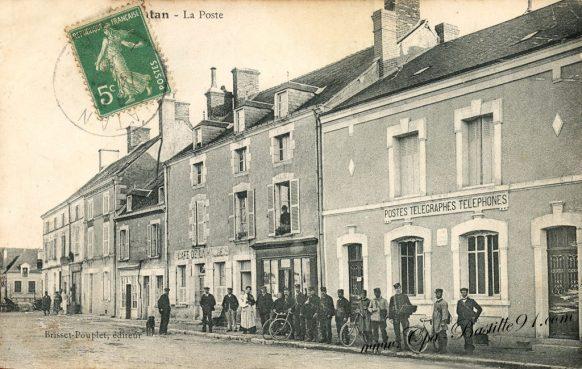 Carte Postale Ancienne - Vatan - La Poste à la belle époque
