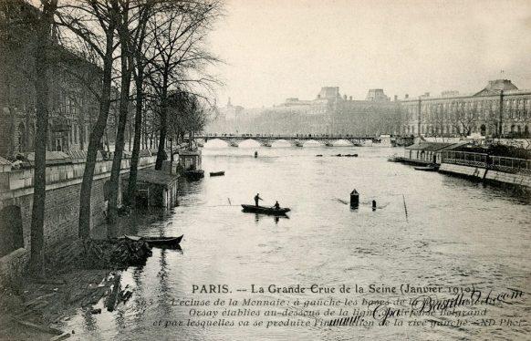 Paris la grande crue de la Seine en Janvier 1910 - l'écluse de la Monnaie
