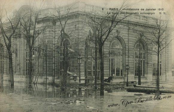 Paris Inondations de janvier 1910 - La gare des Invalides submergée