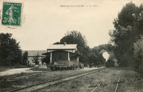 Cartes-postales-Anciennes-Nesle-la-vallée-la-gare