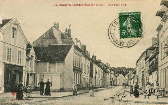 Cartes Postales Anciennes - Villeneuve l'Archevesque - Rue Paul Bert