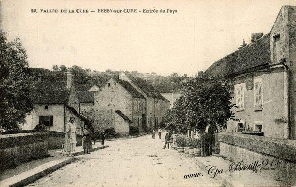 Carte Postale Ancienne - Vallée de la cure - Bessy-sur-Cure - Entrée du Pays d'hier à aujourd'hui - Bessy-sur-Cure - Entrée du Pays