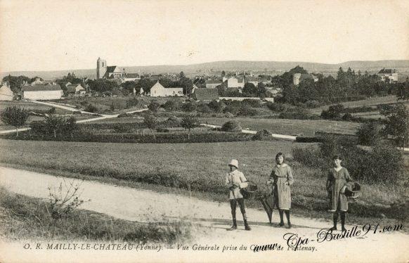 Carte Postale Ancienne - Mailly le Chateau - Vue générale prise du chemin de Fontenay