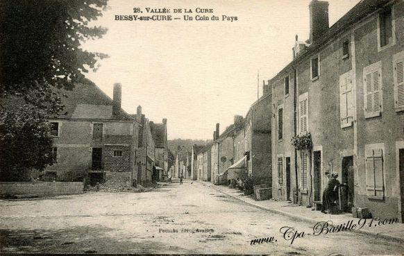 Carte Postale Ancienne - Vallée de la Cure - Bessy sur Cure - Un coin du Pays