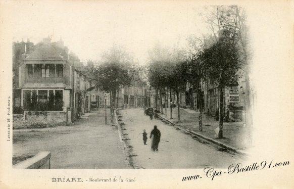 Carte Postale Ancienne - Briare Boulevard de la Gare