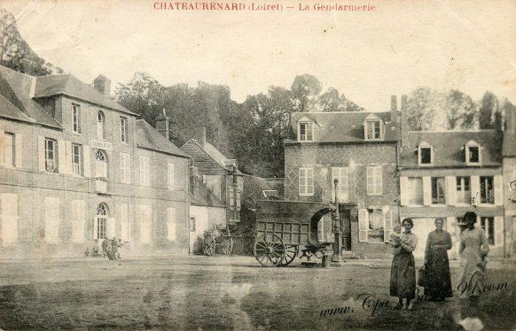 Carte Postale Ancienne de Chateaurenard - La Gendarmerie